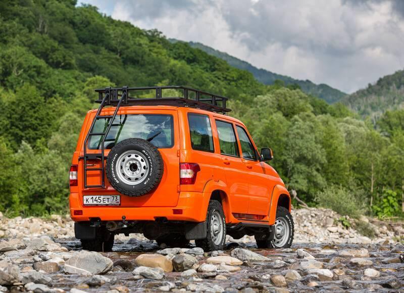 Экспедиционная версия УАЗ Патриот оснащена сертифицированным внедорожным оборудованием