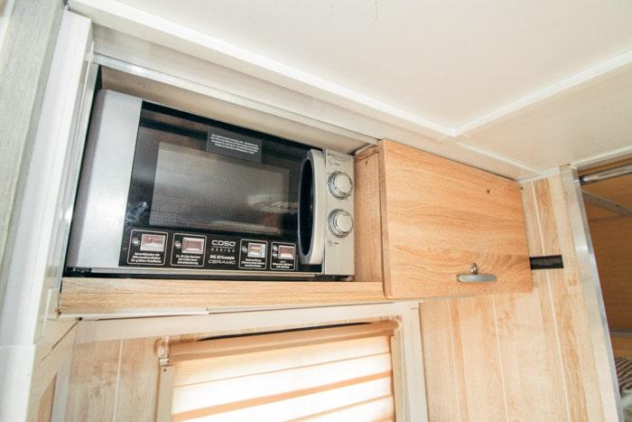 Кухня  Автодома 4x4 на базе УАЗ Профи