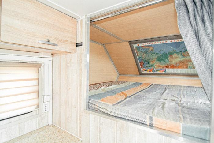 Спальные места в альковной зоне Автодом 4x4 на базе УАЗ