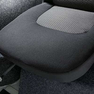 Мягкая обивка передних сидений остекленного грузопассажирского фургона УАЗ