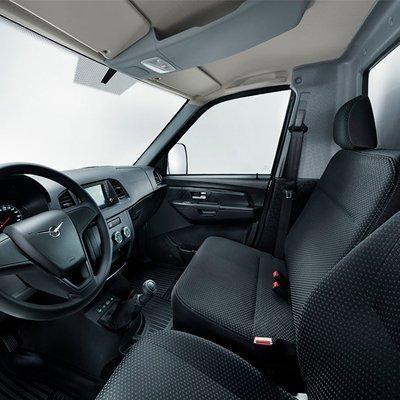 Место водителя УАЗ Профи с однорядной кабиной